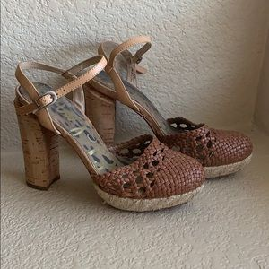 Same Edelman Rella Chunky Heel Closed Toe Sandals